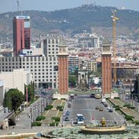 L?artista digital Dan Roger Arenzon es tanca a un hotel per pintar el paisatge de Barcelona