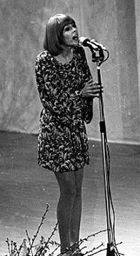 Barnasants homenatja la cantautora de l?Alguer Marisa Sannia