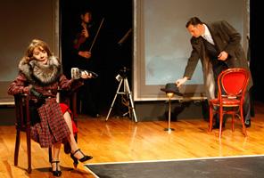 Rosa Novell i Àlex Casanovas obren la temporada al teatre de Blanes amb La dona justa